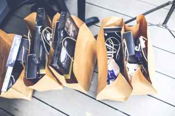gift-brown-shopping-market
