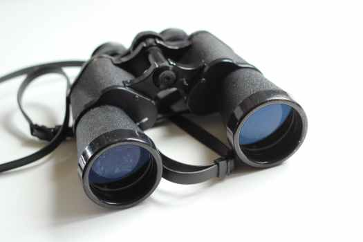 binoculars-old-antique-equipment-55804